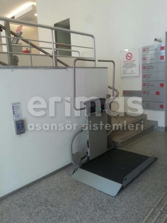 Akbank-İzmir-Ticari-Şubesi